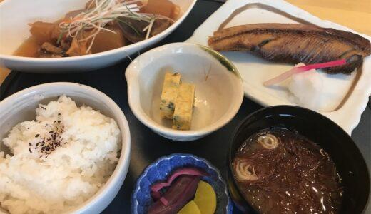 三ツ石の日替わり膳(770円)はこの値段で豪華ですよ。